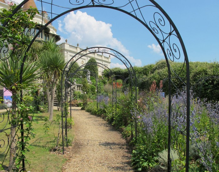 russell cotes garden